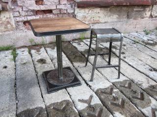 Kavárenský stolek INDUSTRIAL